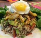 quinoa, guacamole, frango ovo poche 2